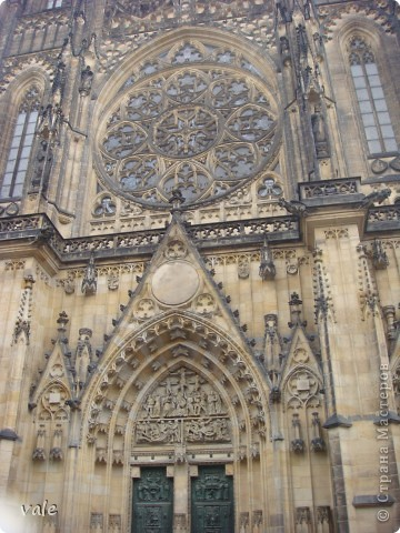 К сожалению, в Европе я была только один раз. Конечно, хотелось бы съездить еще, чтобы посмотреть и другую архитектуру, к примеру южной Европы. В этом репортаже, в основном, средневековая архитектура. Сначала фотографии из Кракова (Польша).  Это замок. фото 24