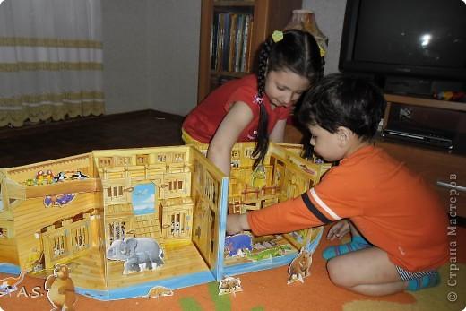 """Вот такую интересную книгу-игрушку приобрела своим детям. """"Чудесная лодка Ноя"""" Им очень понравилось, да и мне признаться, тоже. А ведь что-то подобное можно сделать и своими руками. Может кому из мастериц идея и пригодится.  фото 3"""