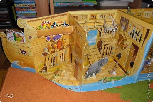 """Вот такую интересную книгу-игрушку приобрела своим детям. """"Чудесная лодка Ноя"""" Им очень понравилось, да и мне признаться, тоже. А ведь что-то подобное можно сделать и своими руками. Может кому из мастериц идея и пригодится.  фото 4"""