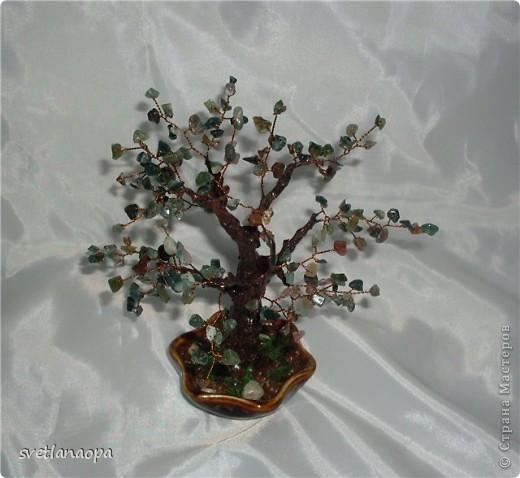 Деревце из лунного камня с бусинками от сглаза. фото 14