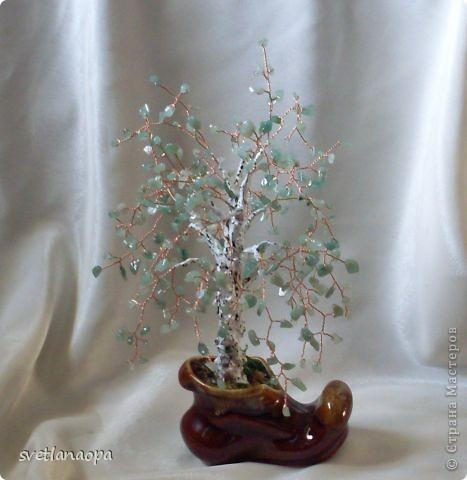 Деревце из лунного камня с бусинками от сглаза. фото 4