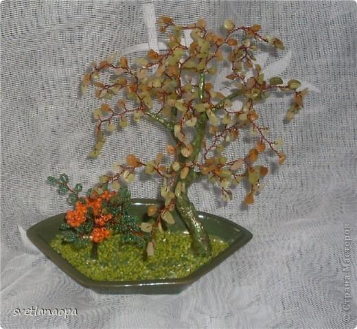 Деревце из лунного камня с бусинками от сглаза. фото 8