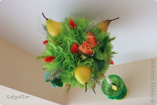 Дерево сделано из органзы,сухоцветов и искусственных фруктов. фото 2