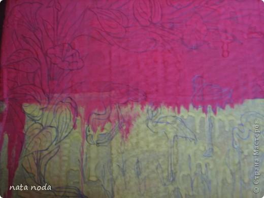 долго думала как мне расписать мое чудо коробочку и вдохновением явилась работа http://stranamasterov.ru/user/68325? спасибо огромное!!!!  рисовала по разному , сначала на бумаге, потом вырезала и делала как трафарет, но потом я решила рисовать сразу карандашом, а потом красками!! ну вроде получилось!! первая сторона фото 6