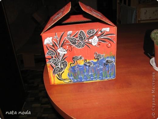 долго думала как мне расписать мое чудо коробочку и вдохновением явилась работа http://stranamasterov.ru/user/68325? спасибо огромное!!!!  рисовала по разному , сначала на бумаге, потом вырезала и делала как трафарет, но потом я решила рисовать сразу карандашом, а потом красками!! ну вроде получилось!! первая сторона фото 12