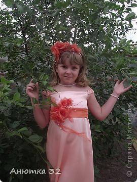 Вот и закончились беззаботные деньки, скоро школа, 1 класс. К выпускному сшила дочке вот такое платье. Швея из меня конечно, не очень, но ребенку понравилась моя работа. фото 5