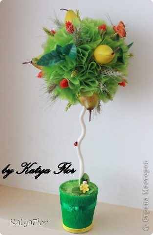 Дерево сделано из органзы,сухоцветов и искусственных фруктов. фото 1
