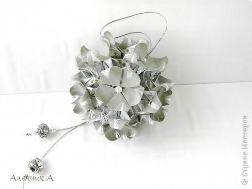 Привет, СМ!!! Представляю вашему вниманию несколько кусудам. Name: Diamond Bridge Designer: Miyuki Kawamura Units: 30 Assembled with: no glue Paper size: 5*10 cm Model size:13 cm  МК:  http://stranamasterov.ru/node/90369 фото 3