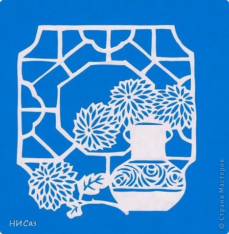 В нашей группе на окне, Во зеленой во стране, В расписных горшочках Подросли цветочки. Вот розан, герань, толстянка, Колких кактусов семья. Их польем мы спозаранку. Я и все мои друзья. Н. Нищева фото 1