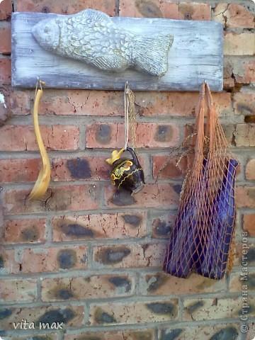 Рыбка-вешалка (папье-маше на каркасе из фольги) фото 1