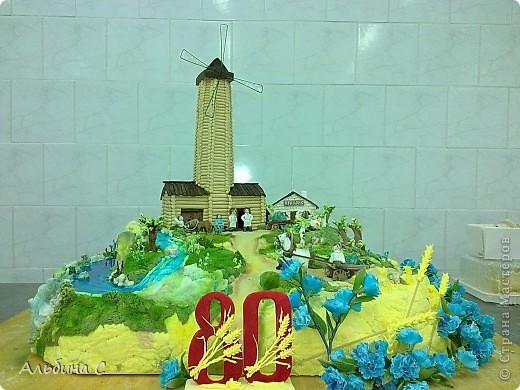 торт сделан на выставку,посвящённой 80-летию хлебопекарной промышленности РТ.(перед выставкой) фото 1