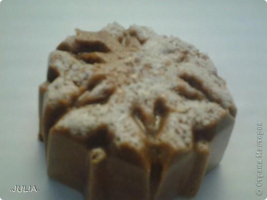 Извините за качество фотографий,фотик сломался,и я сняла на телефон. Мандариновый рай: 1)ЭМ мандарина 2)корица(молотая) 3)кокосовая стружка 4)мыльная основа 5)розовый краситель. фото 4