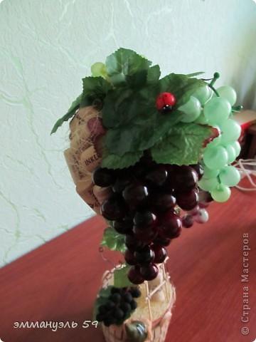 Представляю вам дорогие мастерицы свои виноградно-пробковые топиарии. Оба сделаны на заказ. Первое останется в моем родном городе, а другое уедит в Израиль к подруге. Ей очень понравилось самое первое которое я делала и вот захотела точно такое, ну я немножко изменила. И получились мои тройняшки. фото 3