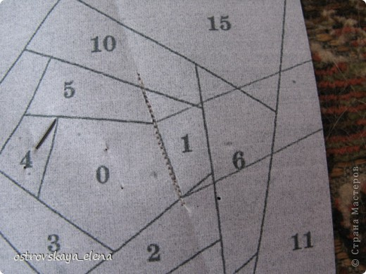 Этот способ шитья ОЧЕНЬ облегчает создание узоров любой сложности в технике лоскутного шитья, острые углы, мелкие мотивы, и пр. Шьем на бумажной основе, можно использовать любую бумагу, я простую офисную использую. фото 6