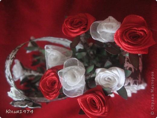 Мини розы в корзине (высота розы 9 см). В этом сочетании цветов они смотрятся совершенно по другому, чем первая корзиночка.  фото 4