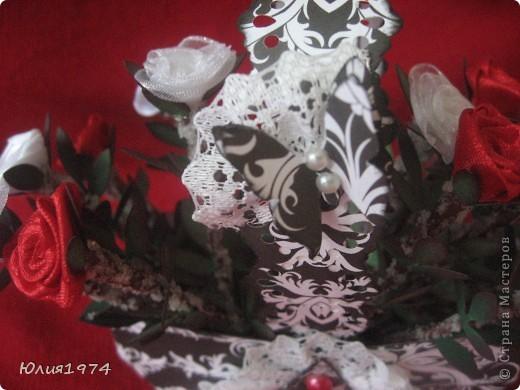 Мини розы в корзине (высота розы 9 см). В этом сочетании цветов они смотрятся совершенно по другому, чем первая корзиночка.  фото 5