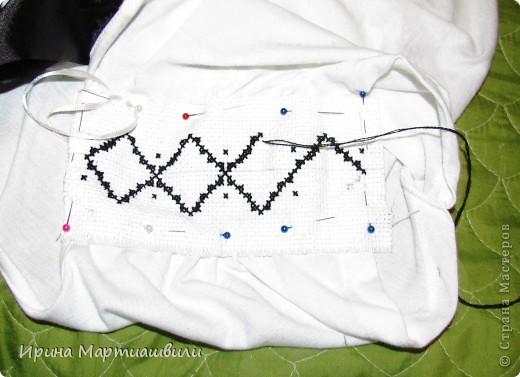 Это уже законченная вышивка на плечах (получилось похоже на пагоны )я вытащила гл фото 2