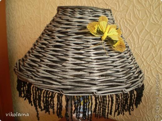 """всем привет.вот сделала плетенки для дачи.корзинка из рекламок магазина """"пятерочка"""".на дне декупаж салфеткой. фото 12"""