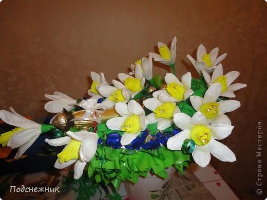 Нарциссы, подаренные в апреле фото 1