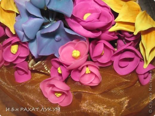 Всех вошедших приветствую! Давно не показывала свои работы, готовилась к выставке, но об этом позже:) Мои первые подсолнухи....не прям фонтан конечно, но мне нравится яркое сочетание цветов:) фото 3