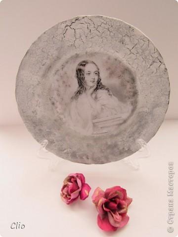 Такая тарелочка появилась после просмотра героинь пьес  Шекспира. Это Джульетта. Есть задумка продолжить серию,там много подобных красавиц))) фото 1
