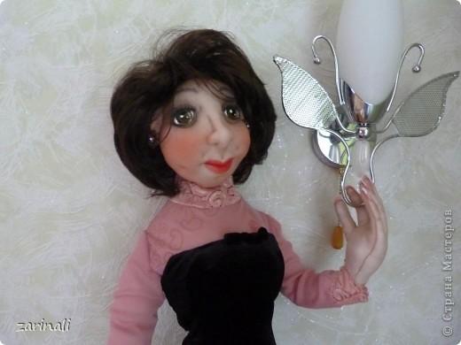 Сделала подруге в подарок куклу. Не претендуя на портретное сходство( в силу своей неопытности), всё таки хотелось хоть какой то похожести. Поэтому -глаза карие, фото 7