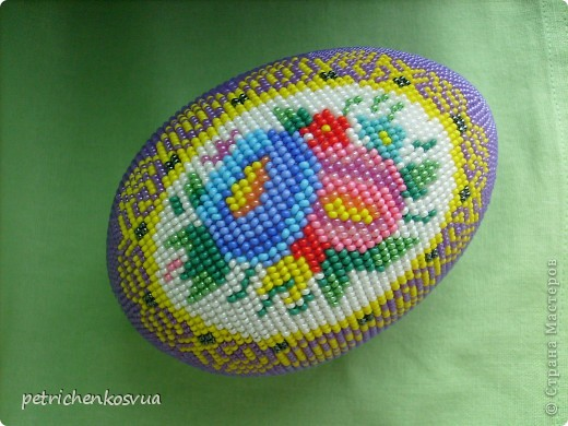 Оберег Поделка изделие Пасха Бисероплетение Яйцо сувенирное Цветочный медальон Бисер фото 5.