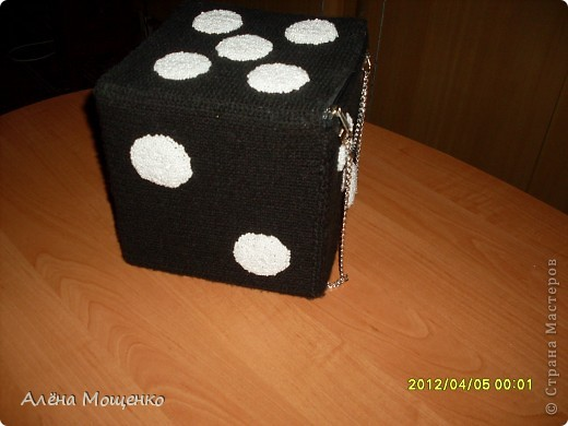 сделала несколько лет назад вот такую сумочку, добралась до фотоаппарата, решила выложить на всеобщее обозрение :) фото 2
