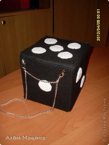 сделала несколько лет назад вот такую сумочку, добралась до фотоаппарата, решила выложить на всеобщее обозрение :) фото 3