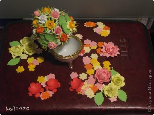 шкатулочка украшена цветами из бумаги фото 2