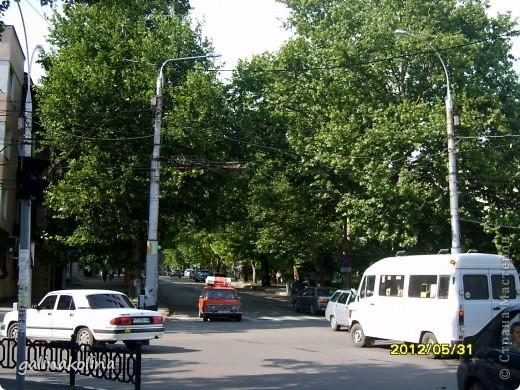 По календарю вчера наступило лето,а я хочу показать вам,дорогие девочки,каким был последний день весны этого,2012 года,в моём родном городе,в Тирасполе.  фото 9