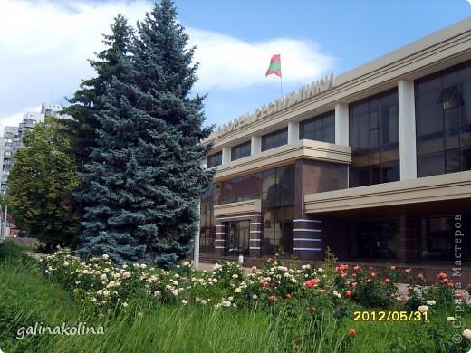 По календарю вчера наступило лето,а я хочу показать вам,дорогие девочки,каким был последний день весны этого,2012 года,в моём родном городе,в Тирасполе.  фото 13