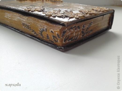 обложка книги- де купаж-распечатка на фольге ,состаривание,акрил.краски. фото 5