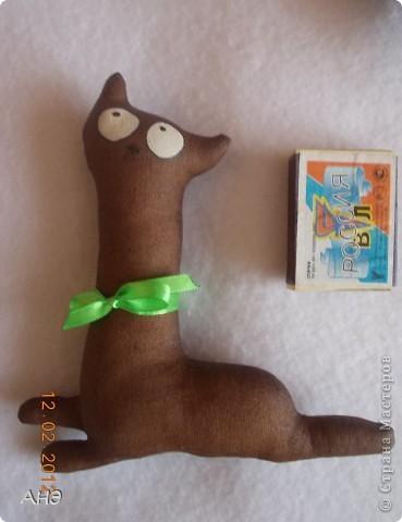Пошились еще в прошлом, 2011 году (год кота или кролики) вот такие сувениры на работу. Первая моя проба шить кофейные игрушки. фото 4