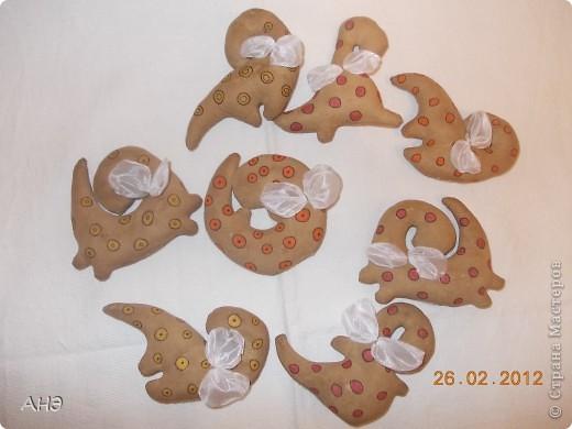 Пошились еще в прошлом, 2011 году (год кота или кролики) вот такие сувениры на работу. Первая моя проба шить кофейные игрушки. фото 11
