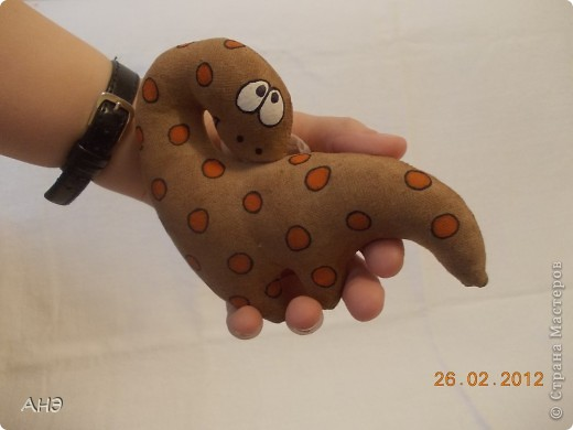 Пошились еще в прошлом, 2011 году (год кота или кролики) вот такие сувениры на работу. Первая моя проба шить кофейные игрушки. фото 12