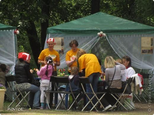 Сегодня в Нескучном саду прошло завершение Игр победителей 2012 . Как и в прошлом году,  мы с детьми пробовали создавать забавные поделки из гофрокартона фото 11