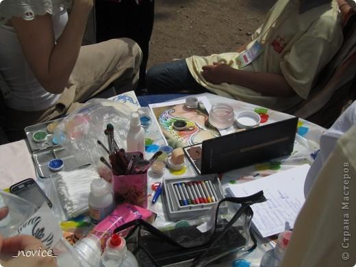 Сегодня в Нескучном саду прошло завершение Игр победителей 2012 . Как и в прошлом году,  мы с детьми пробовали создавать забавные поделки из гофрокартона фото 9