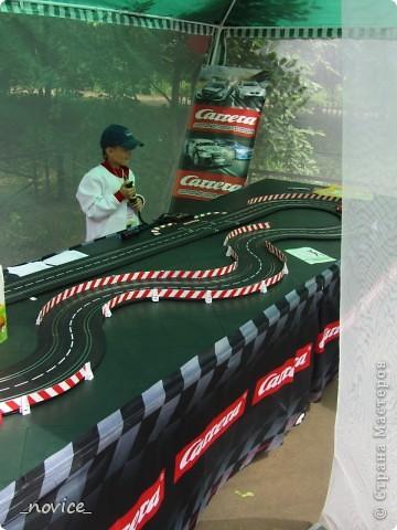 Сегодня в Нескучном саду прошло завершение Игр победителей 2012 . Как и в прошлом году,  мы с детьми пробовали создавать забавные поделки из гофрокартона фото 19
