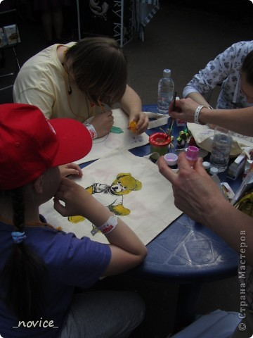Сегодня в Нескучном саду прошло завершение Игр победителей 2012 . Как и в прошлом году,  мы с детьми пробовали создавать забавные поделки из гофрокартона фото 15