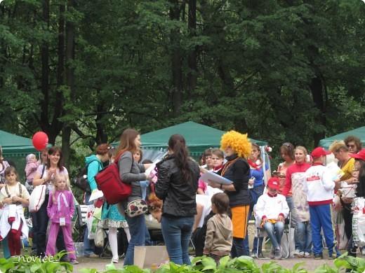 Сегодня в Нескучном саду прошло завершение Игр победителей 2012 . Как и в прошлом году,  мы с детьми пробовали создавать забавные поделки из гофрокартона фото 21