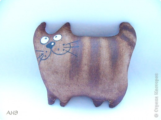 Пошились еще в прошлом, 2011 году (год кота или кролики) вот такие сувениры на работу. Первая моя проба шить кофейные игрушки. фото 9