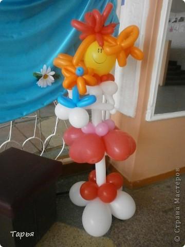Как я уже рассказывала, я теперь работаю в доме культуры. Вот, осваиваю потихоньку новые виды творчества.  Для дня защиты детей делала фигуры из шаров. Девочку... фото 1