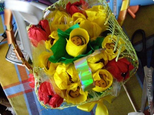 Корзиночка в подарок воспитателю Тут и розы, и тюльпаны, и крокусы.  фото 2