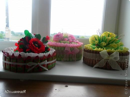 Тортики делала воспитателям на выпускной в детский сад. Делала первый раз...так что строго не судите... фото 1