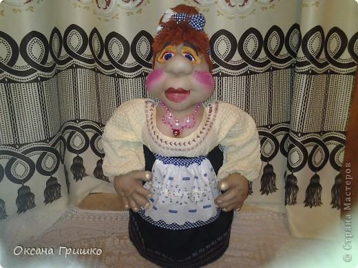 насмотревшись ваших волшебных работ,отложила бисер в сторону и решила попробовать сшить куклу.Огромное спасибо Ликме за столь понятные пошаговые МК по шитью кукол(извените я не знаю как вставить ссылку)И вот какая сельская красавица у меня получилась фото 2