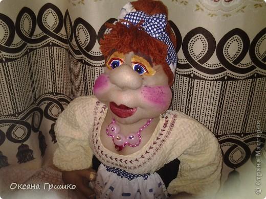 насмотревшись ваших волшебных работ,отложила бисер в сторону и решила попробовать сшить куклу.Огромное спасибо Ликме за столь понятные пошаговые МК по шитью кукол(извените я не знаю как вставить ссылку)И вот какая сельская красавица у меня получилась фото 1
