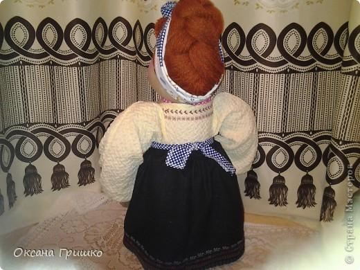 насмотревшись ваших волшебных работ,отложила бисер в сторону и решила попробовать сшить куклу.Огромное спасибо Ликме за столь понятные пошаговые МК по шитью кукол(извените я не знаю как вставить ссылку)И вот какая сельская красавица у меня получилась фото 5