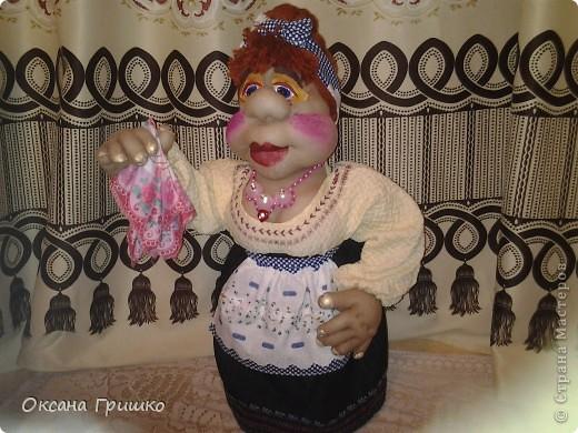 насмотревшись ваших волшебных работ,отложила бисер в сторону и решила попробовать сшить куклу.Огромное спасибо Ликме за столь понятные пошаговые МК по шитью кукол(извените я не знаю как вставить ссылку)И вот какая сельская красавица у меня получилась фото 6