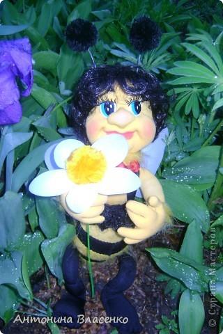 Давно хотела сделать пчелку, как  получилась, судить вам. фото 2